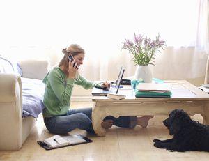 į moterišką darbą namuose