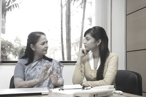 Psicologo e cliente in una sessione di terapia